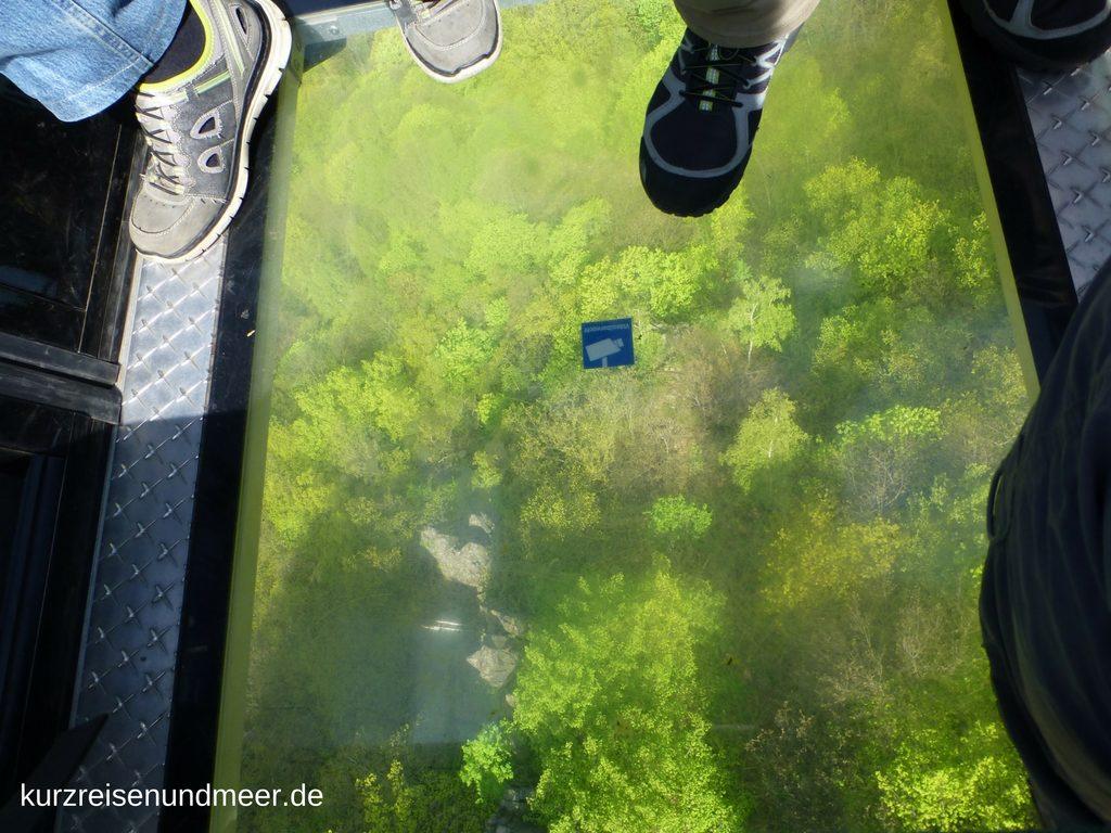 Die Gondel mit dem Glasboden ist nichts für Menschen mit Höhenangst.