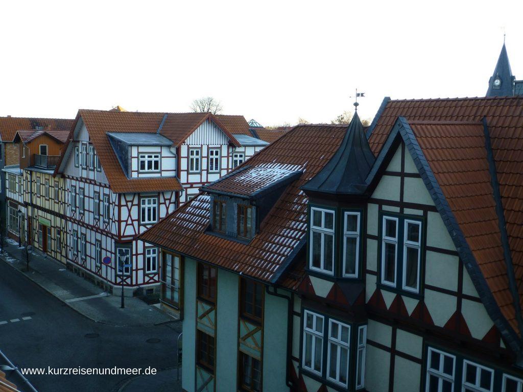 Das Bild zeigt den Blick aus unserem Zimmer auf Häuser in Wernigerode (Harz).