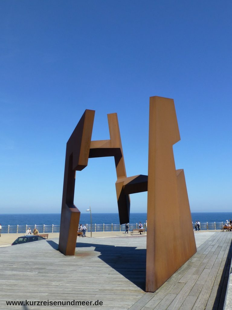 """Das moderne Kunstwerk """"Leere Konstruktion verändert sich mit der Perspektive"""