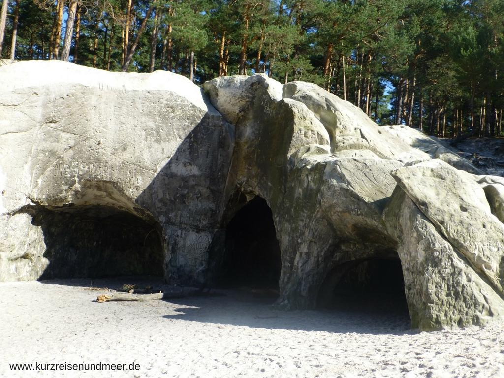 Die Sandhöhlen im Heers wurden zum Teil von Menschen geschaffen