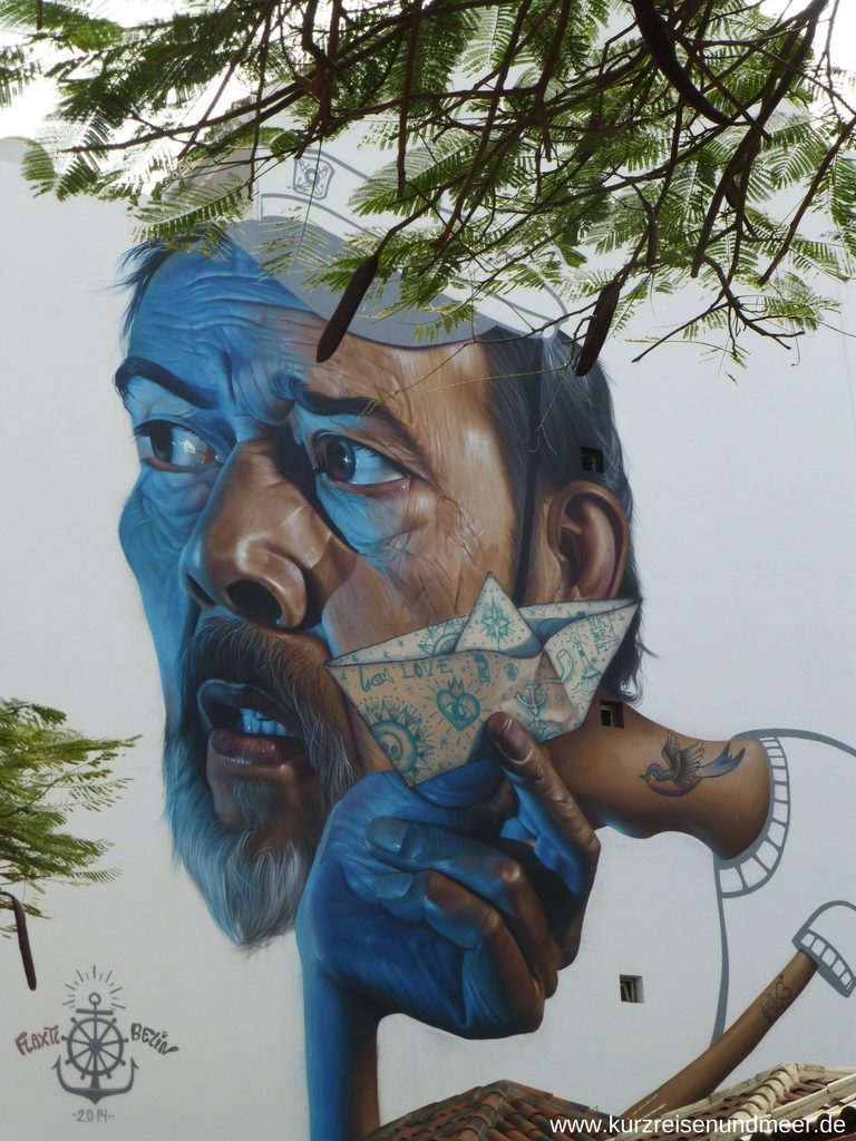 Streetart in Puerto de la Cruz: Die ewige Jugend von Jaén Belin