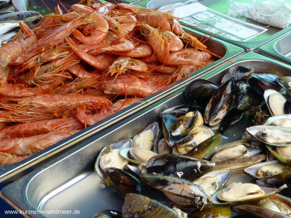 Meeresfruechte auf dem Markt von Marsaxlokk