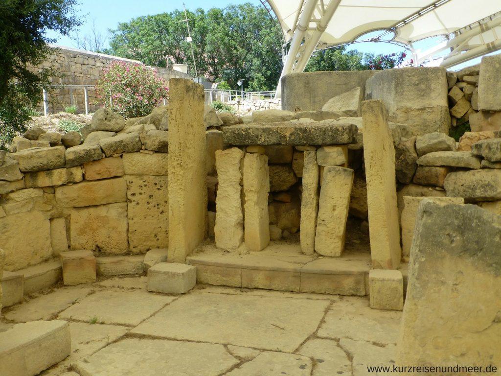 Vermutlich eine Opferstaette im Tempel von Tarxien