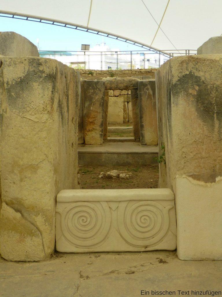 Kopie eines Steinrelief im Tempel von Tarxien